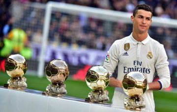 นักฟุตบอลอาชีพ